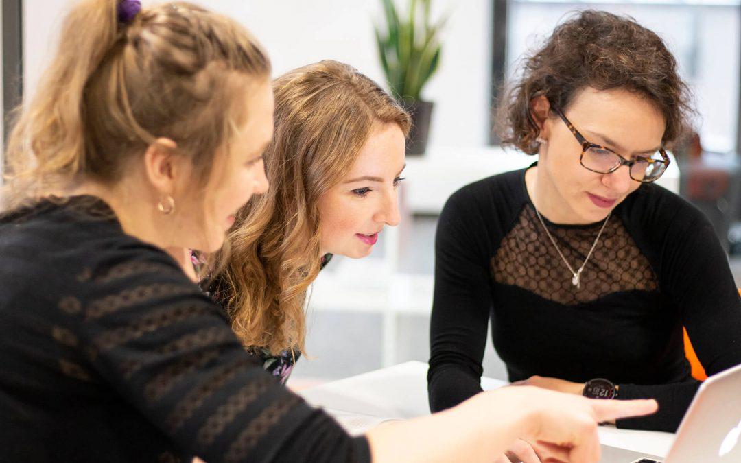 Niezbędne kompetencje miękkie w IT i jak je rozwinąć