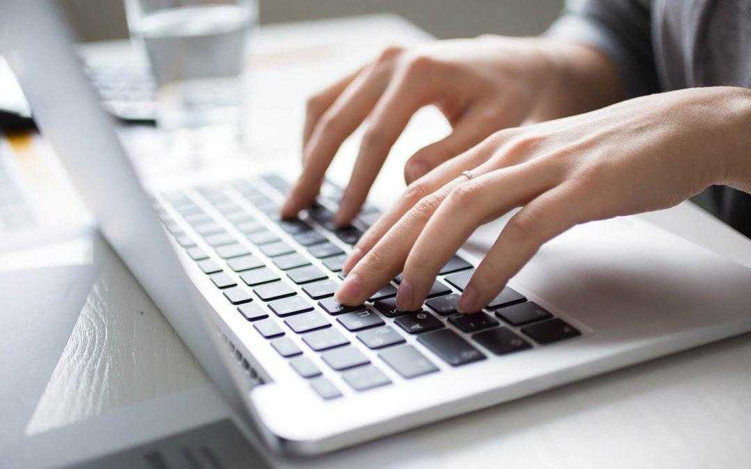Przedświąteczne zakupy w Internecie. O czym należy pamiętać?