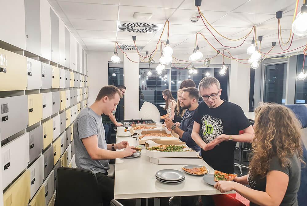 Pizza podczas hackathonu w Katowicach