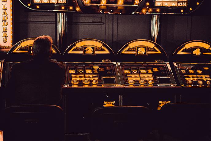 Bandyci, babcia i pieniądze, czyli jak grać, żeby wygrać