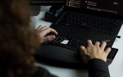 Kampania phishingowa – symulowany atak na organizację skuteczną metodą walki z przestępczością IT